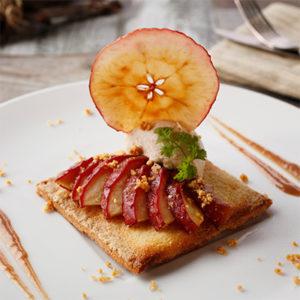 温かい紅玉リンゴのタルト