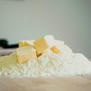 粉とバター