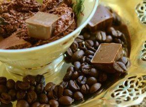 コーヒー豆とチョコ