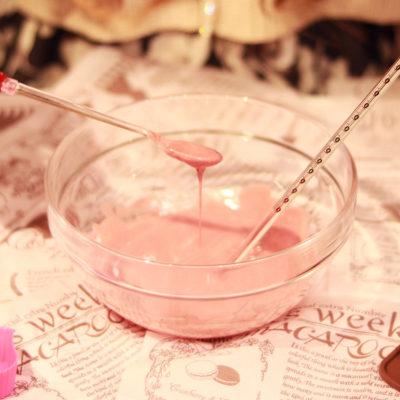 ピンク色のチョコレート